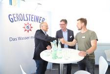 Gemeinsame Stärkung des Quell- und Produktschutzes: Gerolsteiner Brunnen und Landwirte unterzeichnen Vereinbarung